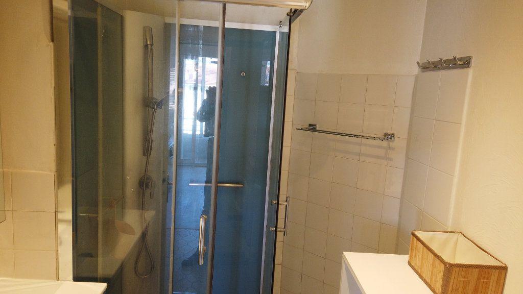Appartement à louer 2 53.01m2 à Antibes vignette-9