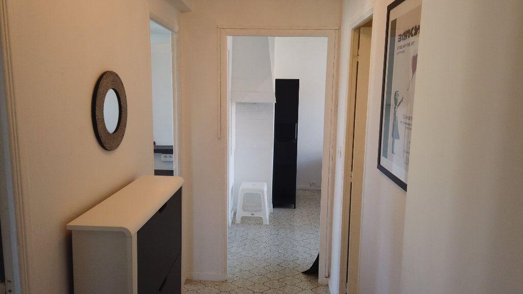Appartement à louer 2 53.01m2 à Antibes vignette-11