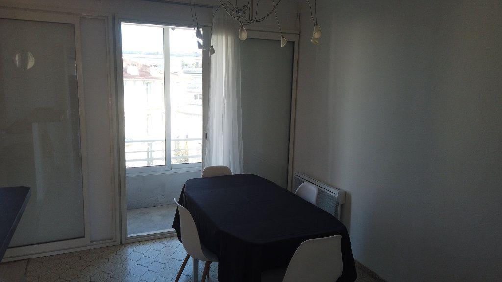 Appartement à louer 2 53.01m2 à Antibes vignette-13