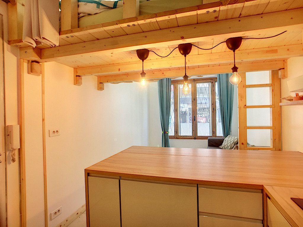 Appartement à vendre 1 23.65m2 à Antibes vignette-1