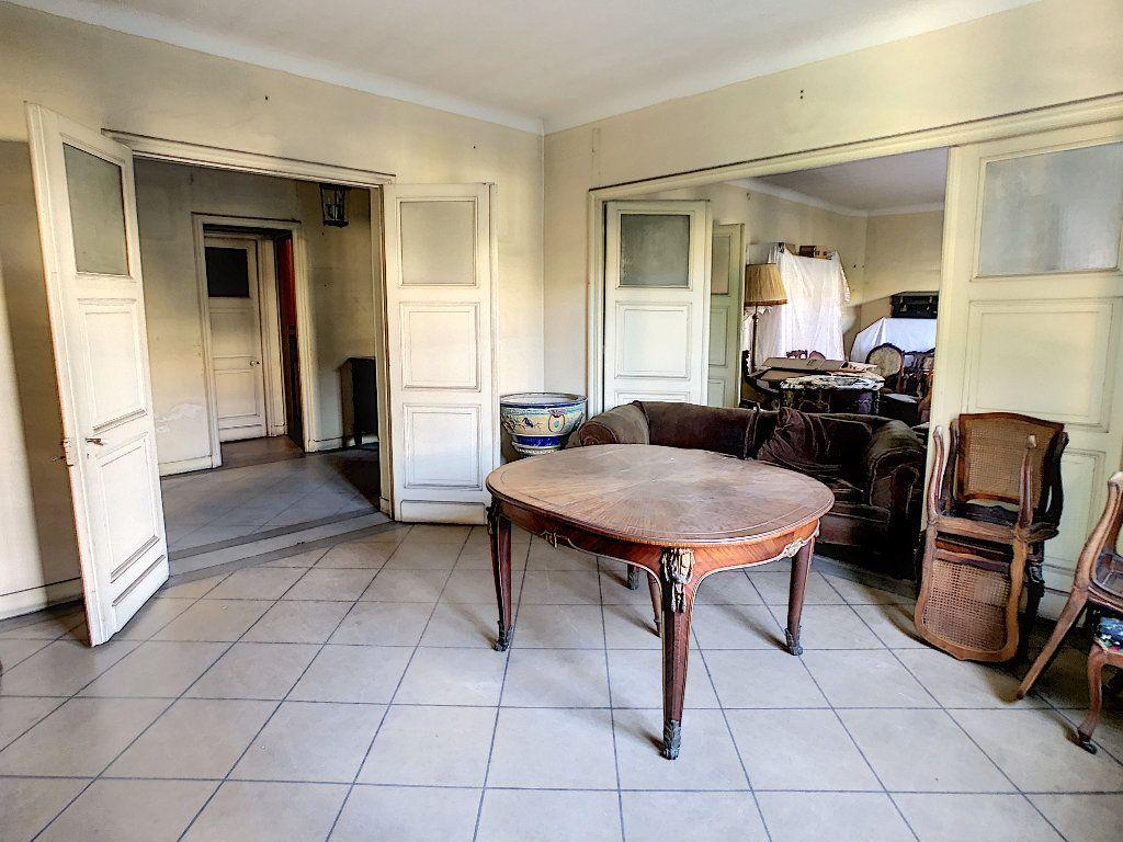 Appartement à vendre 5 145.45m2 à Cannes vignette-2