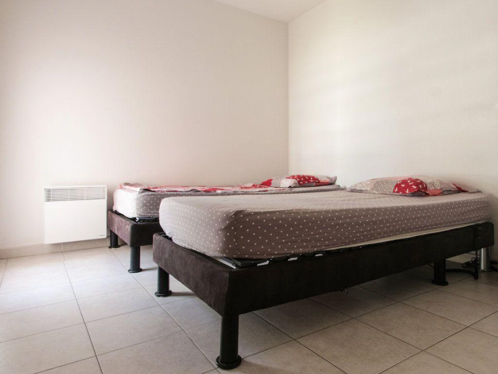 Appartement à vendre 2 45m2 à Juan-les-Pins - Antibes vignette-4