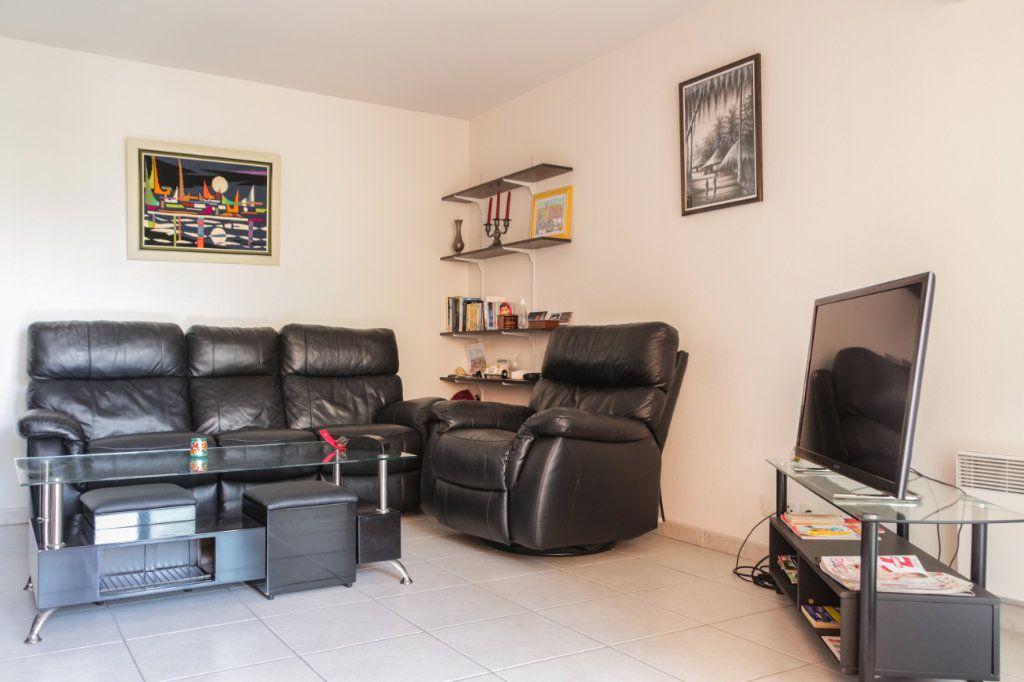 Appartement à vendre 2 45m2 à Juan-les-Pins - Antibes vignette-6