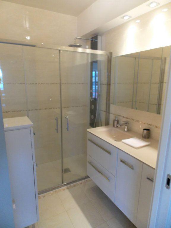 Appartement à vendre 3 75m2 à Juan-les-Pins - Antibes vignette-6