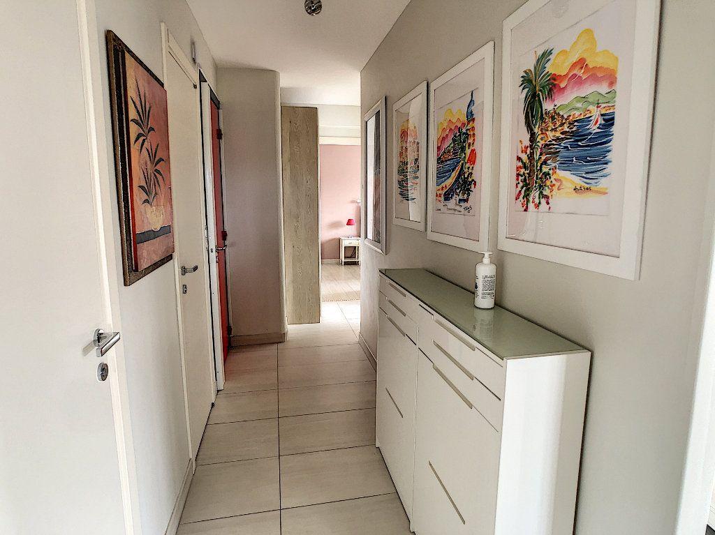 Appartement à vendre 3 75m2 à Juan-les-Pins - Antibes vignette-8