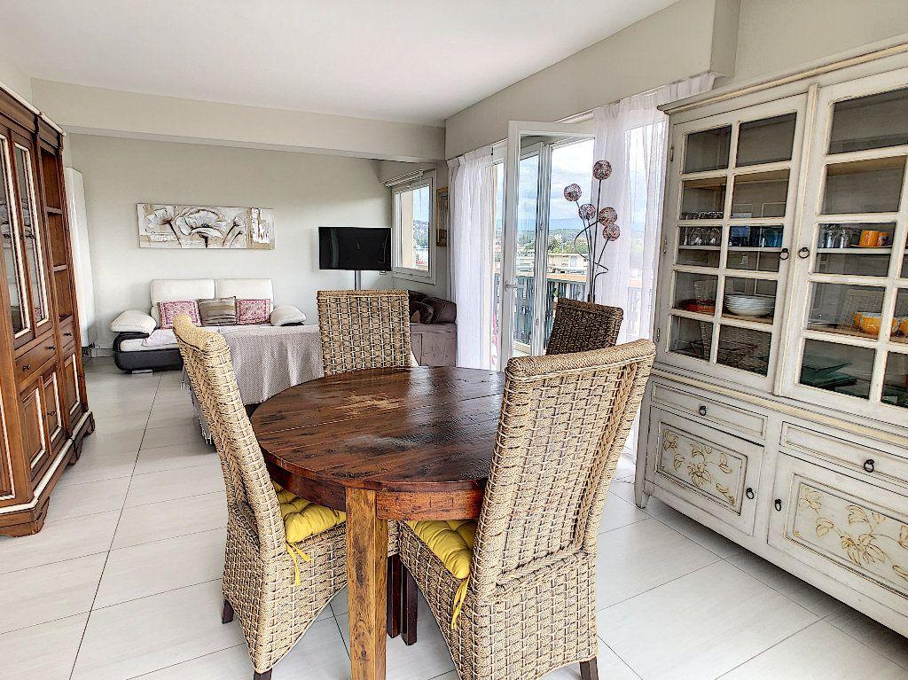 Appartement à vendre 3 75m2 à Juan-les-Pins - Antibes vignette-10