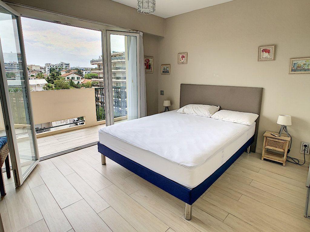 Appartement à vendre 3 75m2 à Juan-les-Pins - Antibes vignette-11