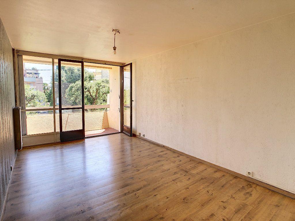 Appartement à vendre 3 57.97m2 à Antibes vignette-3