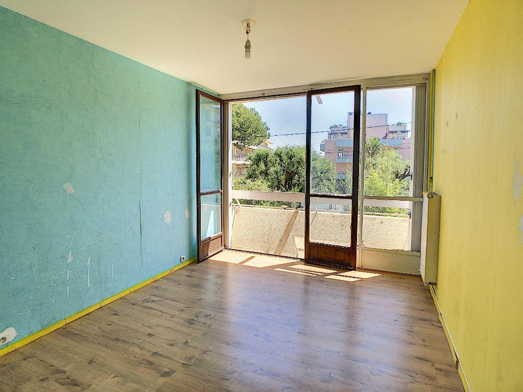 Appartement à vendre 3 57.97m2 à Antibes vignette-4
