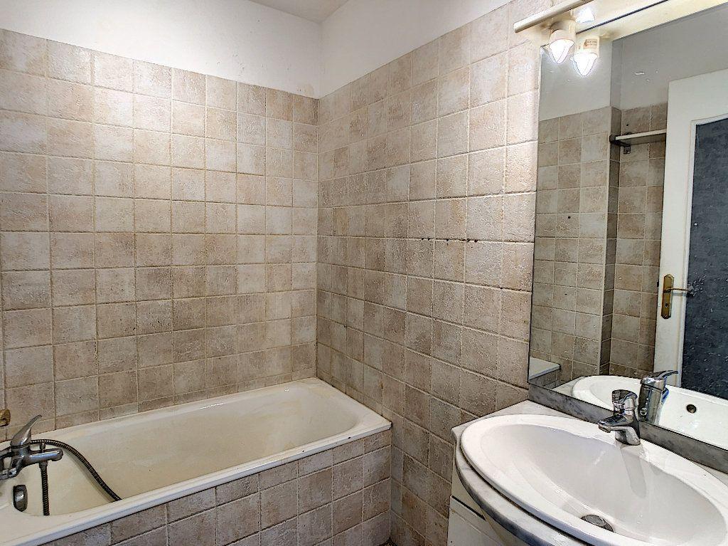 Appartement à vendre 3 57.97m2 à Antibes vignette-5