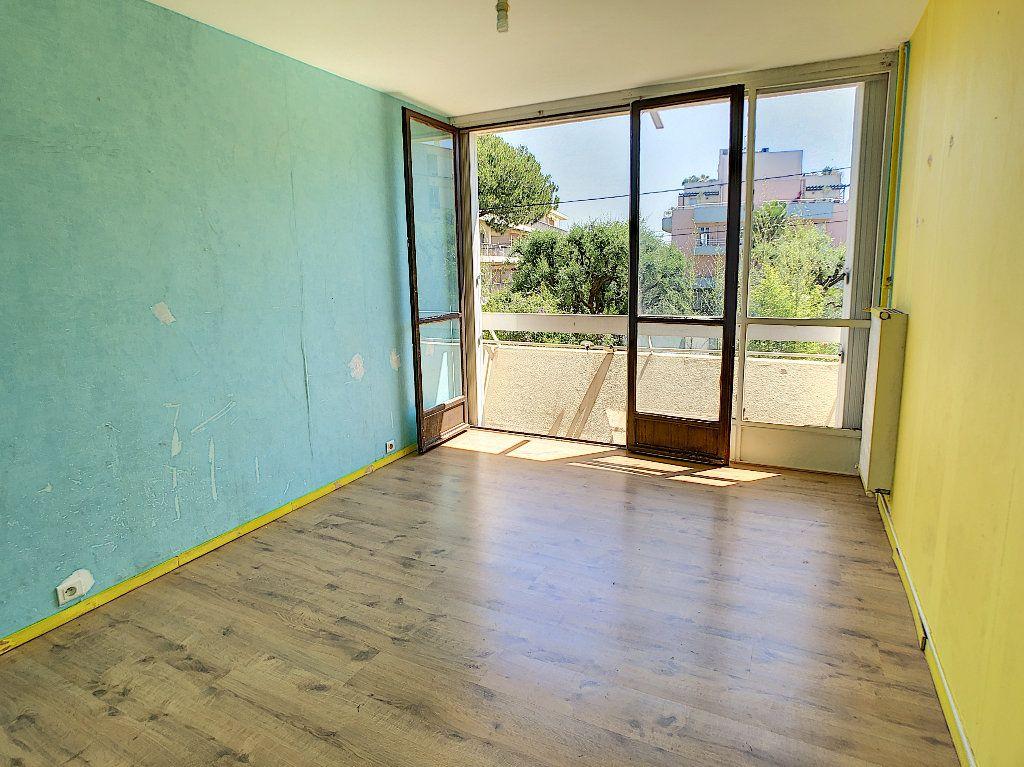 Appartement à vendre 3 57.97m2 à Antibes vignette-8