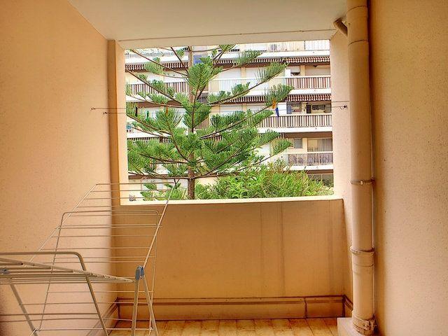 Appartement à vendre 3 68.32m2 à Antibes vignette-5