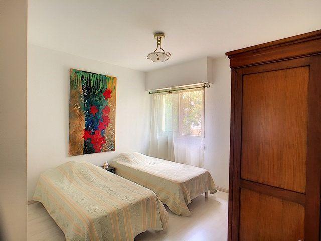 Appartement à vendre 3 68.32m2 à Antibes vignette-7