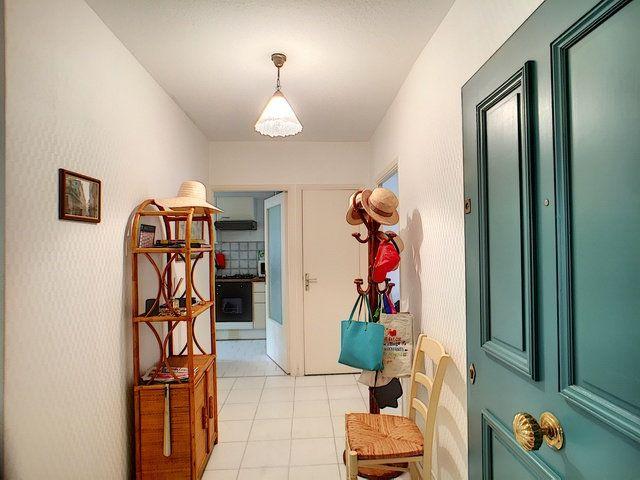 Appartement à vendre 3 68.32m2 à Antibes vignette-9