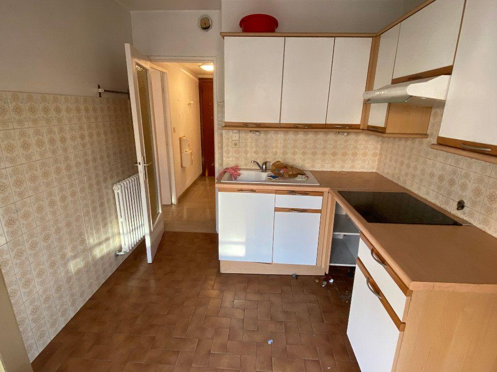 Appartement à louer 1 30.18m2 à Antibes vignette-5