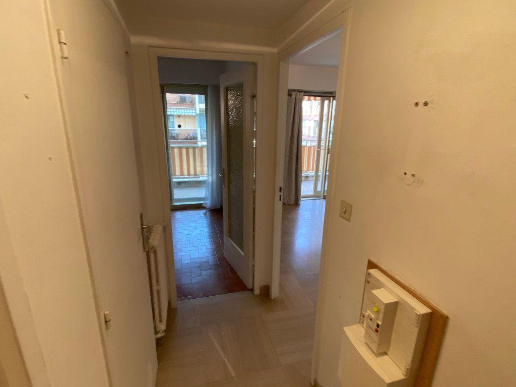 Appartement à louer 1 30.18m2 à Antibes vignette-7