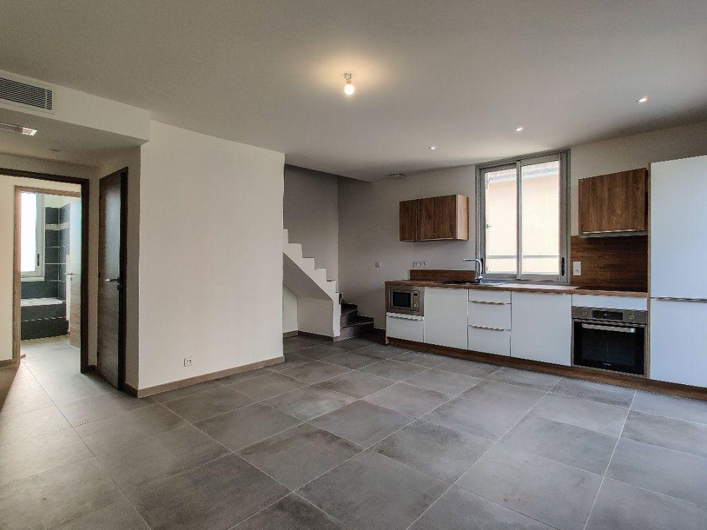 Appartement à vendre 3 57m2 à Juan-les-Pins - Antibes vignette-1