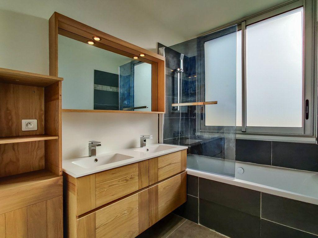 Appartement à vendre 3 57m2 à Juan-les-Pins - Antibes vignette-5