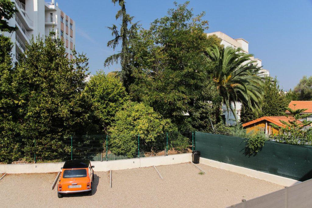 Appartement à vendre 3 57m2 à Juan-les-Pins - Antibes vignette-9