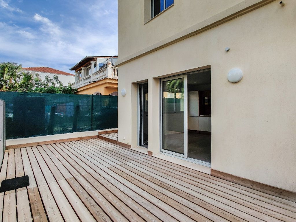 Appartement à vendre 2 42m2 à Juan-les-Pins - Antibes vignette-1