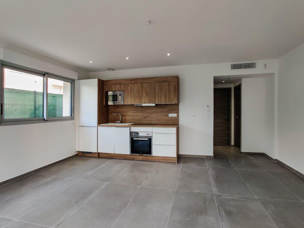 Appartement à vendre 2 42m2 à Juan-les-Pins - Antibes vignette-4