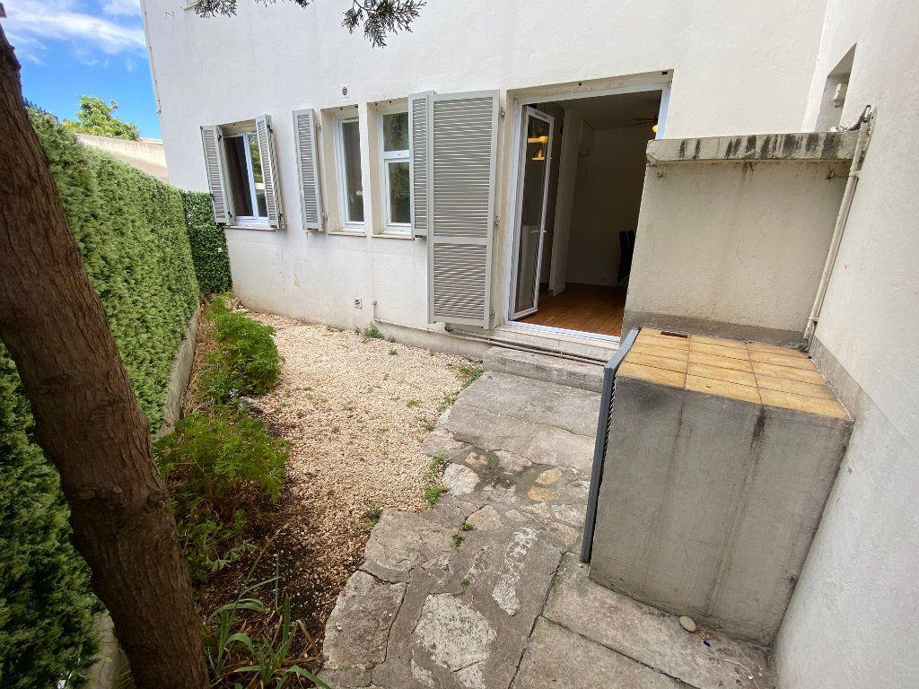 Appartement à louer 2 40m2 à Antibes vignette-1