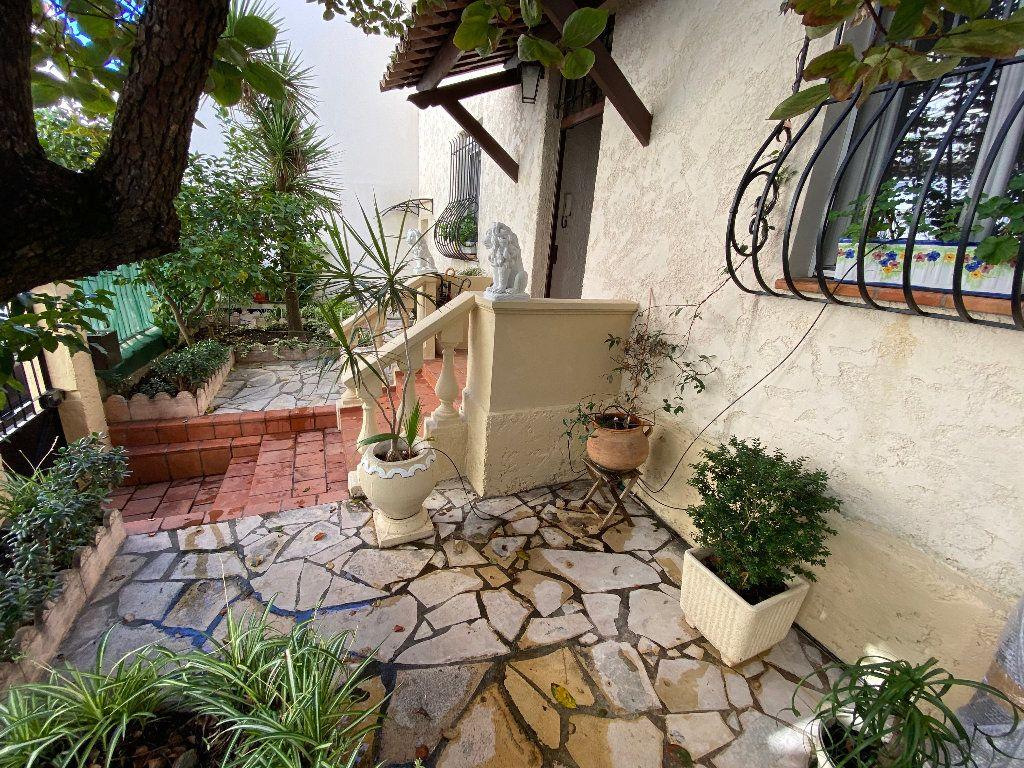 Maison à vendre 5 150m2 à Antibes vignette-4