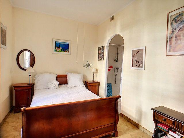 Maison à vendre 5 150m2 à Antibes vignette-10