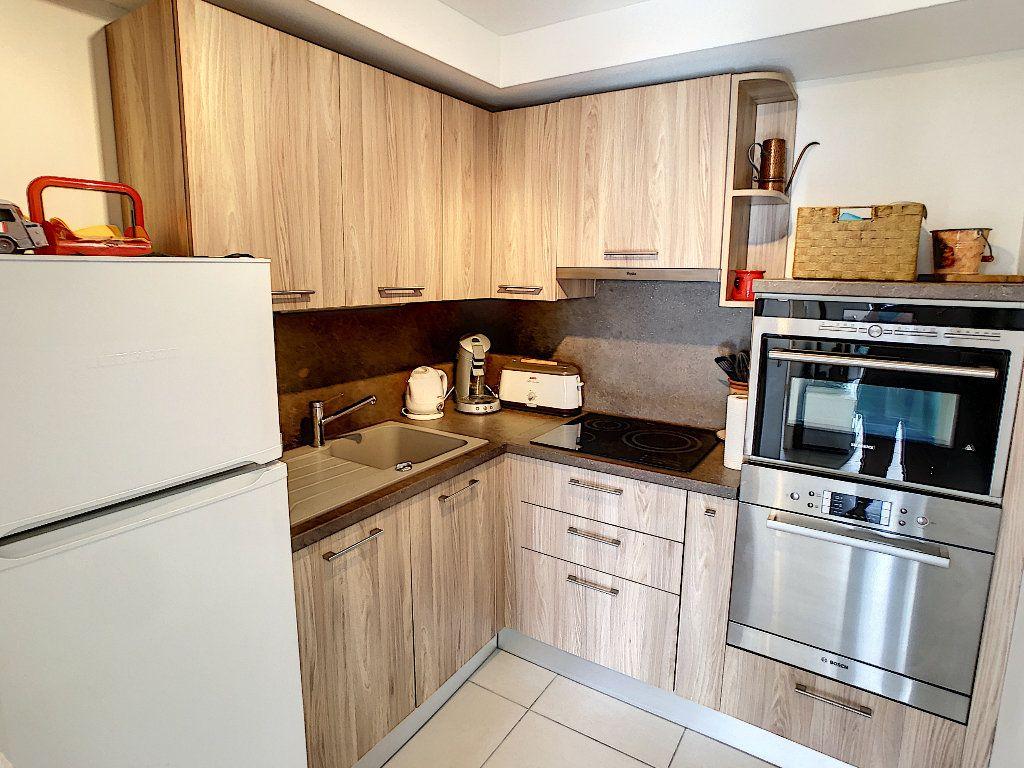 Appartement à vendre 2 41.5m2 à Juan-les-Pins - Antibes vignette-2