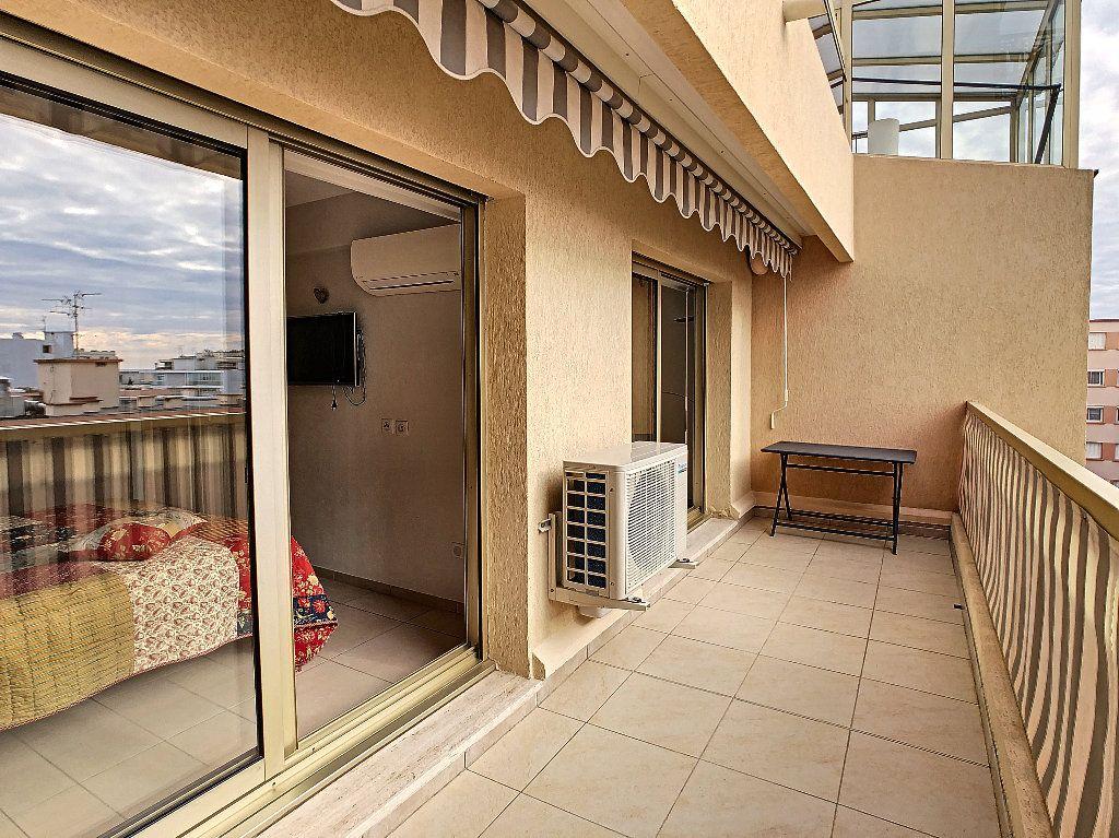 Appartement à vendre 2 41.5m2 à Juan-les-Pins - Antibes vignette-3