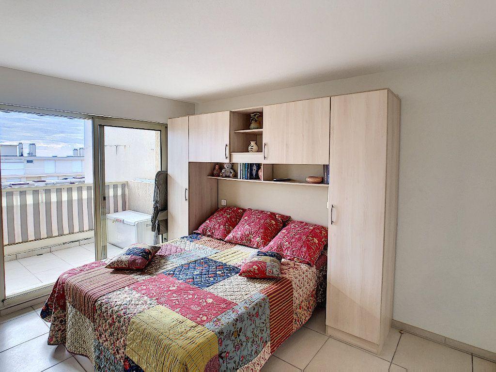 Appartement à vendre 2 41.5m2 à Juan-les-Pins - Antibes vignette-4