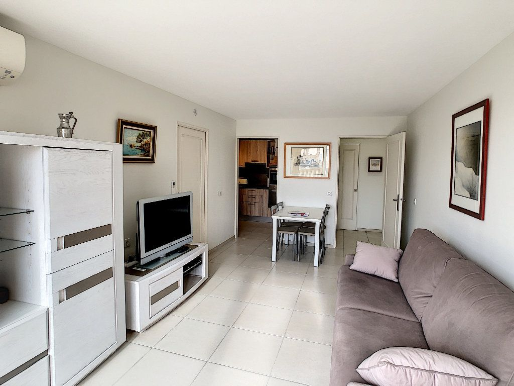 Appartement à vendre 2 41.5m2 à Juan-les-Pins - Antibes vignette-7