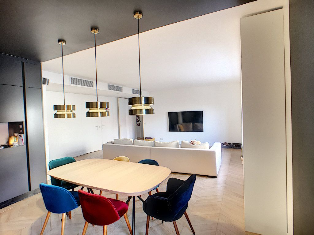 Appartement à vendre 4 132.2m2 à Antibes vignette-3