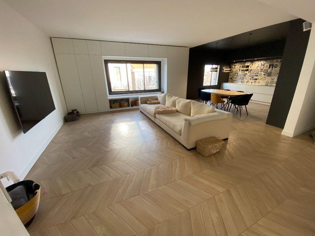 Appartement à vendre 4 132.2m2 à Antibes vignette-12