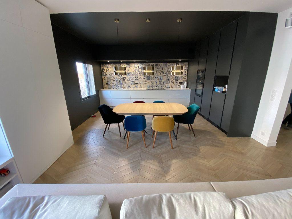 Appartement à vendre 4 132.2m2 à Antibes vignette-13