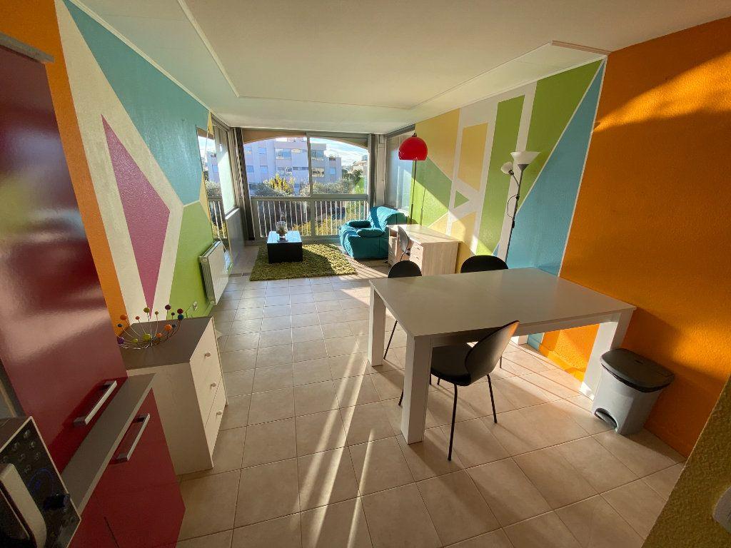 Appartement à louer 2 29.64m2 à Antibes vignette-2