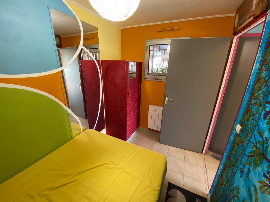 Appartement à louer 2 29.64m2 à Antibes vignette-3