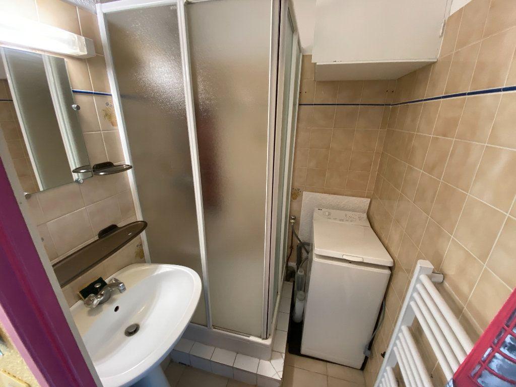Appartement à louer 2 29.64m2 à Antibes vignette-4
