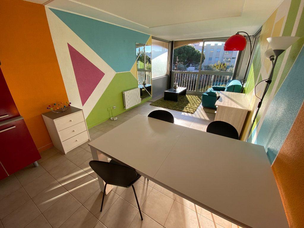 Appartement à louer 2 29.64m2 à Antibes vignette-7