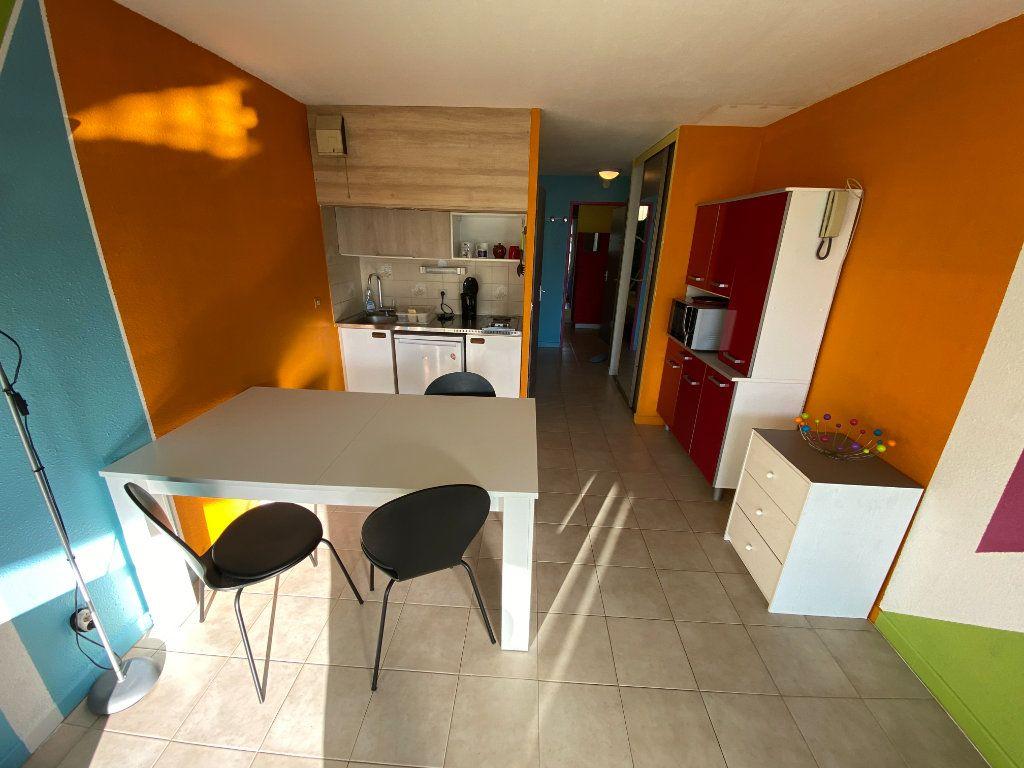 Appartement à louer 2 29.64m2 à Antibes vignette-11