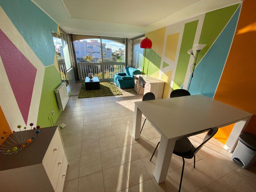 Appartement à louer 2 29.64m2 à Antibes vignette-13