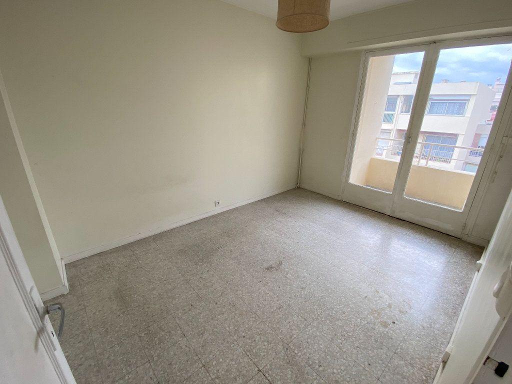 Appartement à louer 3 55.03m2 à Antibes vignette-10