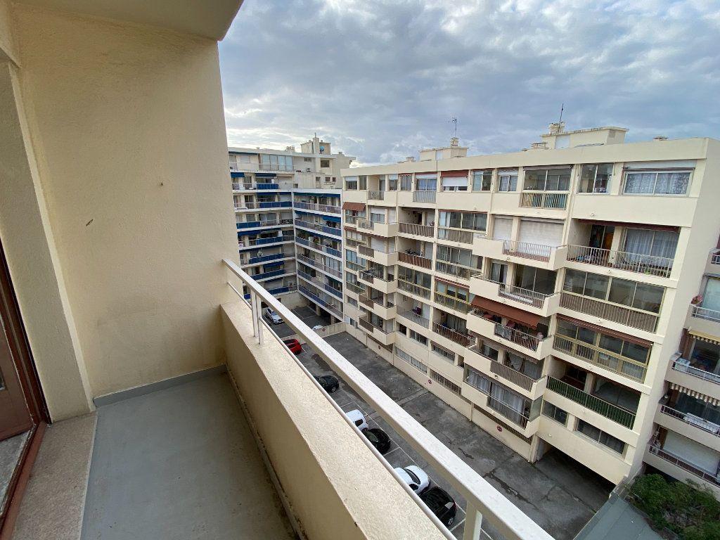 Appartement à louer 3 55.03m2 à Antibes vignette-12