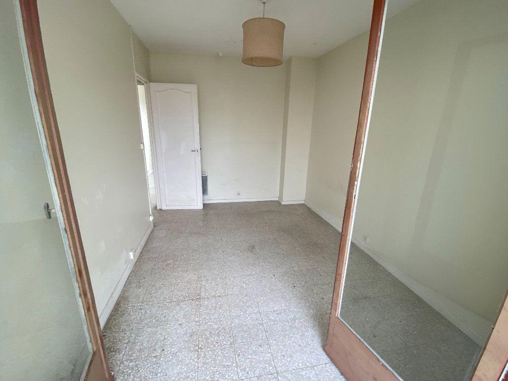 Appartement à louer 3 55.03m2 à Antibes vignette-13