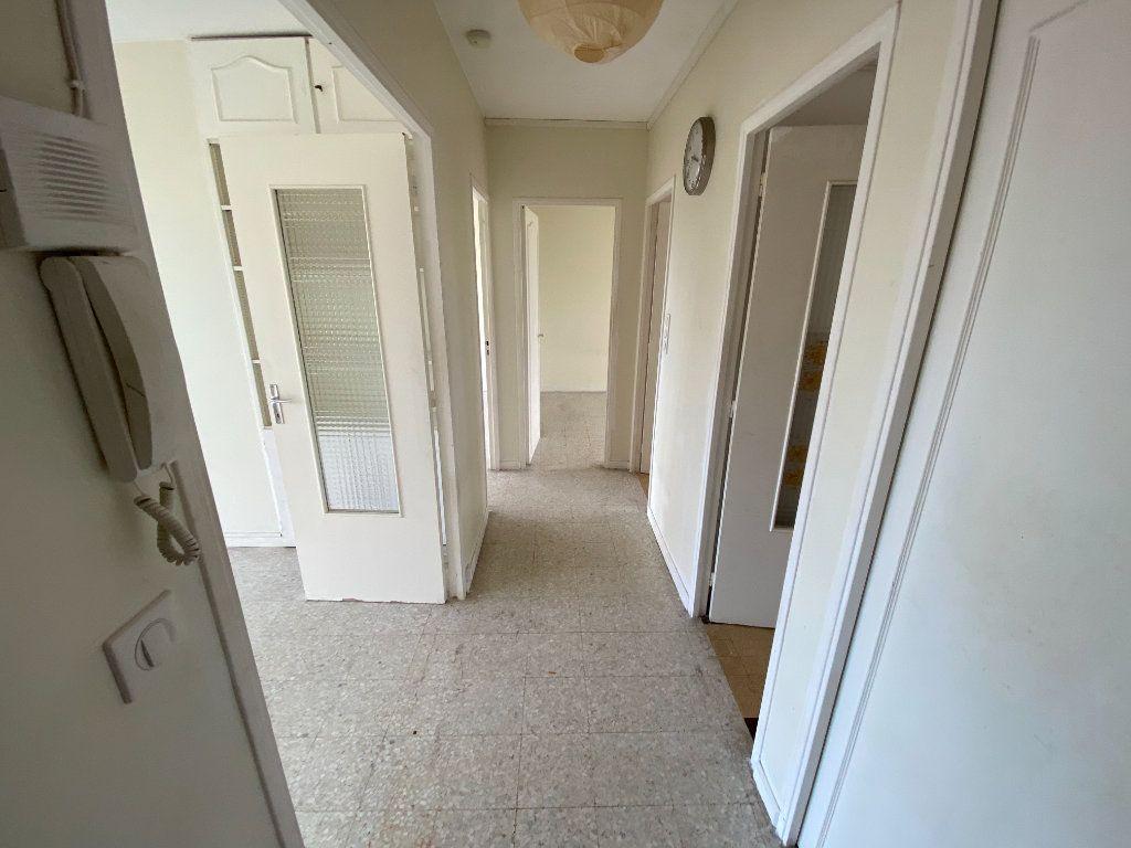 Appartement à louer 3 55.03m2 à Antibes vignette-16