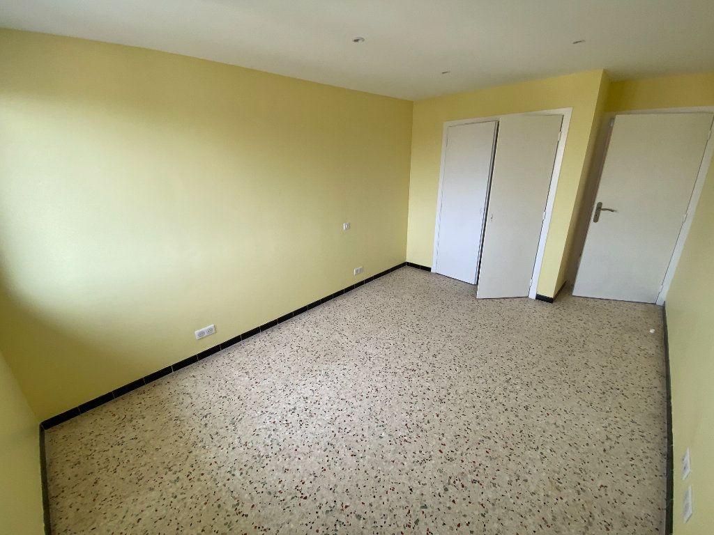 Appartement à louer 3 62.29m2 à Antibes vignette-16