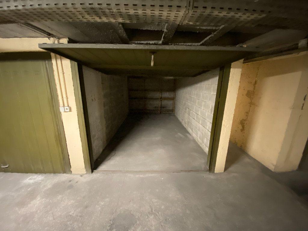 Appartement à louer 3 62.29m2 à Antibes vignette-17