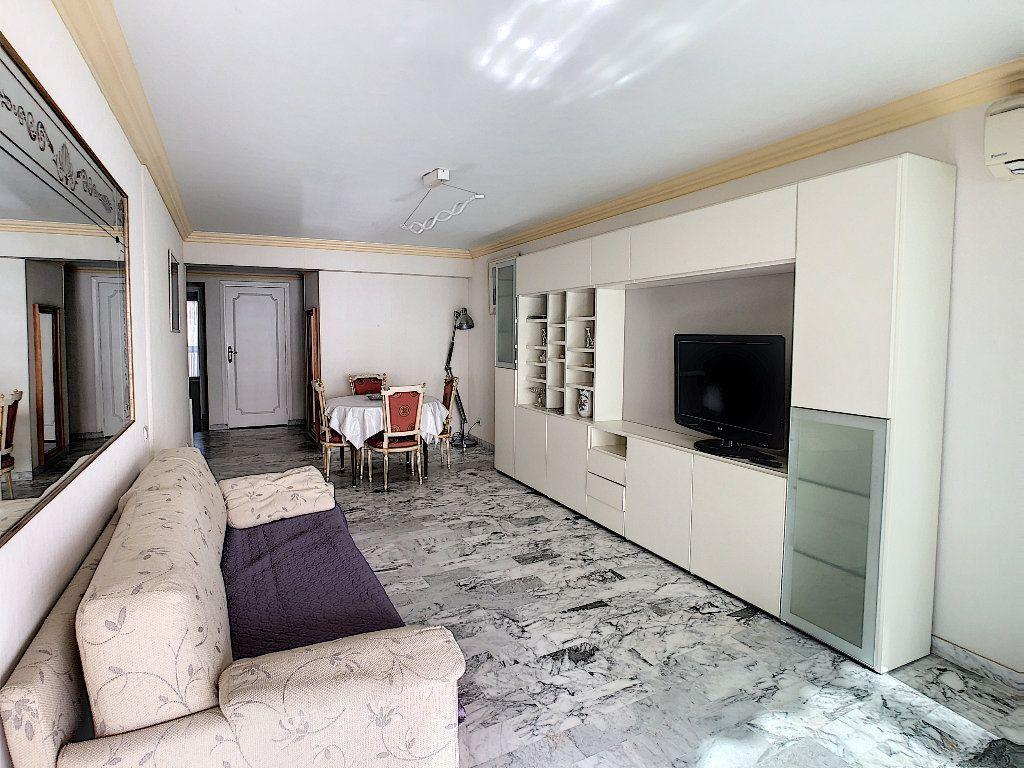 Appartement à vendre 3 67.34m2 à Juan-les-Pins - Antibes vignette-3