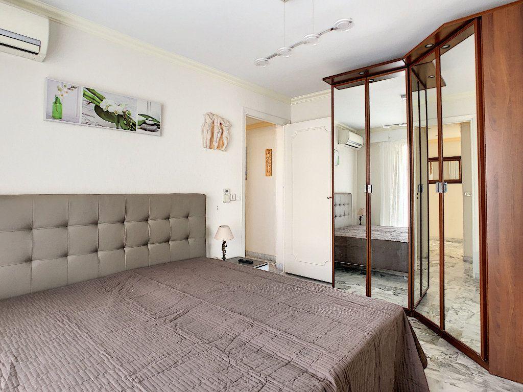 Appartement à vendre 3 67.34m2 à Juan-les-Pins - Antibes vignette-5