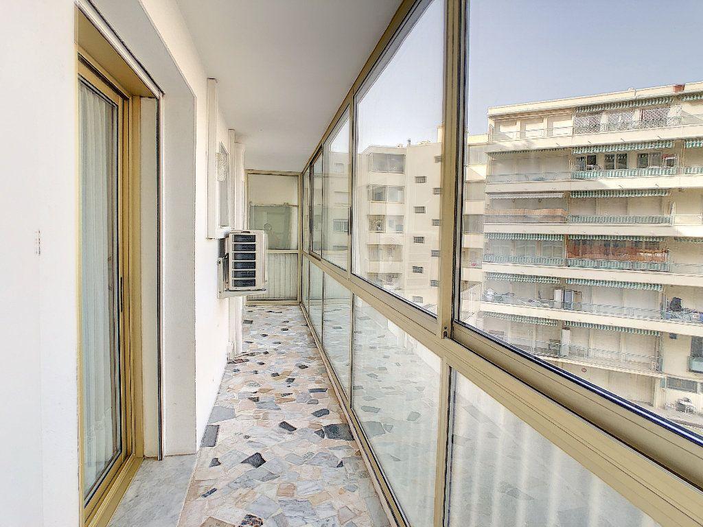 Appartement à vendre 3 67.34m2 à Juan-les-Pins - Antibes vignette-7